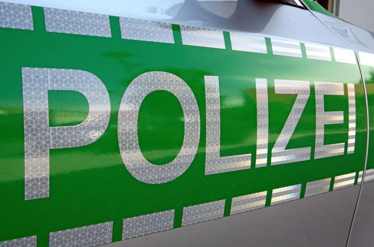 Name:  Polizei_jj.jpg Views: 327 Size:  93.2 KB
