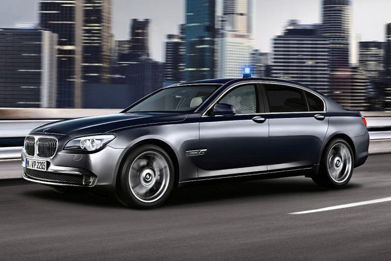 Name:  Polizei-Einsatz     BMW-7er-Polizei-729x486-8d73e3ed01ec50a0.jpg Views: 321 Size:  91.6 KB