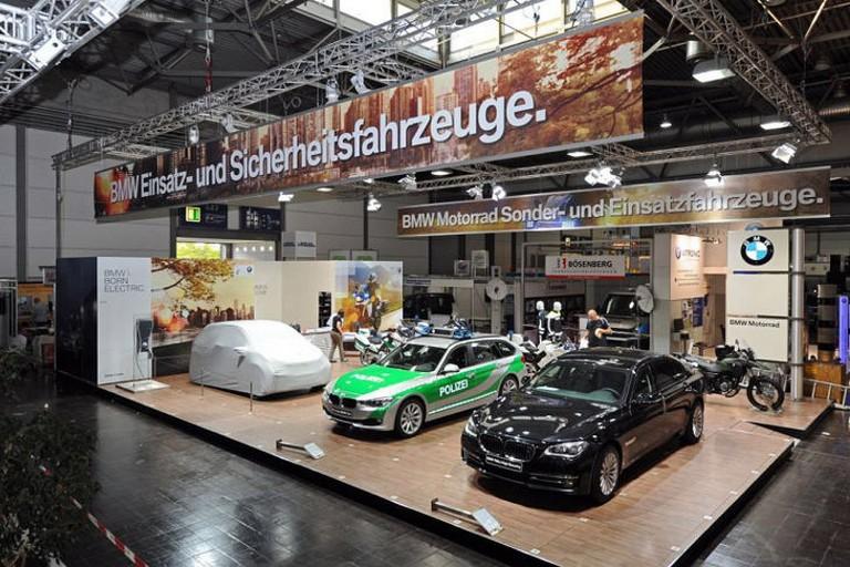 Name:  Polizei-Einsatz     BMW-7er-Polizei-729x486-26bdc82827c6b17e.jpg Views: 320 Size:  138.0 KB