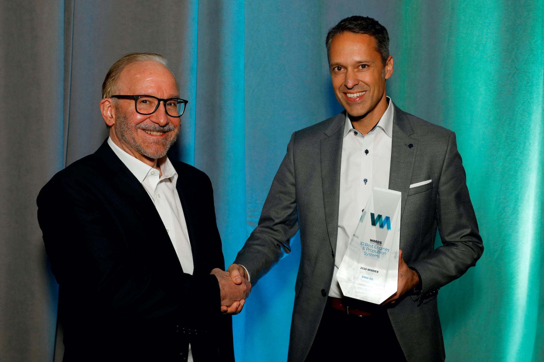 Name:  Ralph_Mahler_Accepting_2020_Wards_10_Best_Engines_and_Powertrain_Award.jpg Views: 11806 Size:  1.99 MB