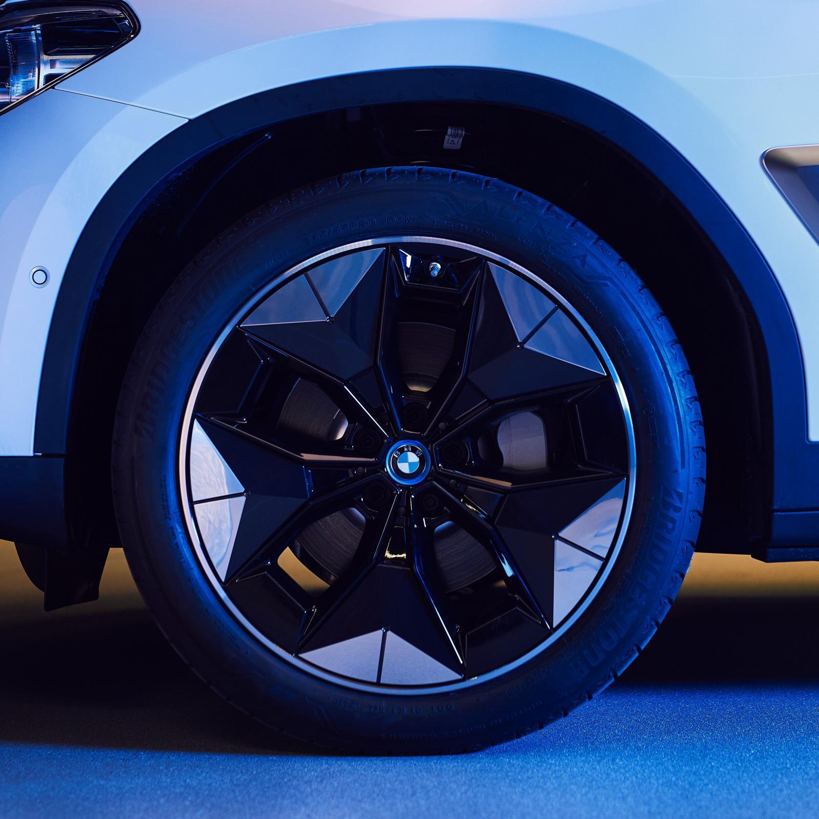 Name:  BMW iX3 i4 Aerodynamic Wheels1.jpg Views: 4572 Size:  215.5 KB