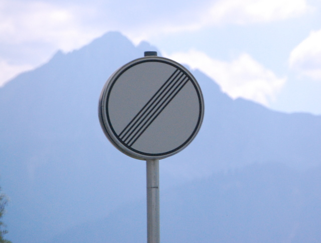 Name:  autobahn-end-of-restrictions-sign.jpg Views: 6806 Size:  83.5 KB