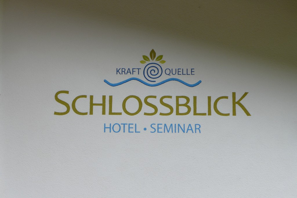 Name:  schloss Blick Hotel Kufstein   P1000990.jpg Views: 3022 Size:  144.2 KB