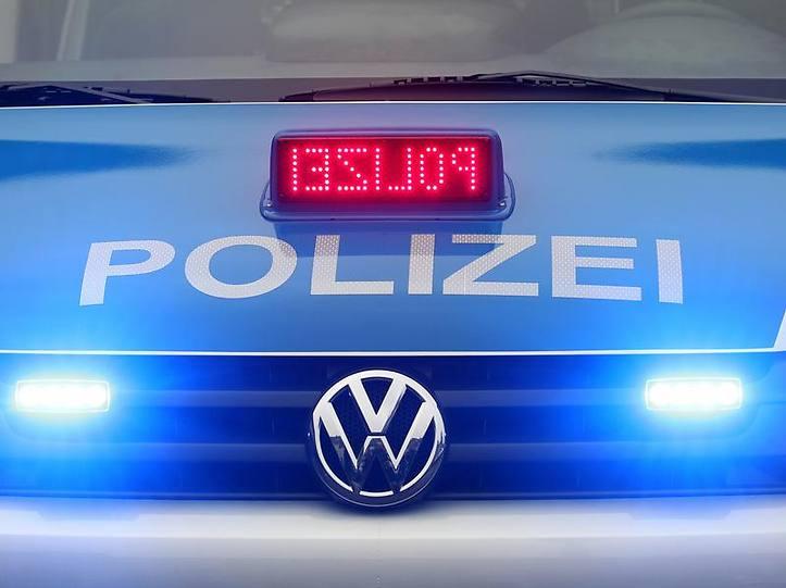 Name:  polizei blaulicht.jpg Views: 3597 Size:  37.3 KB