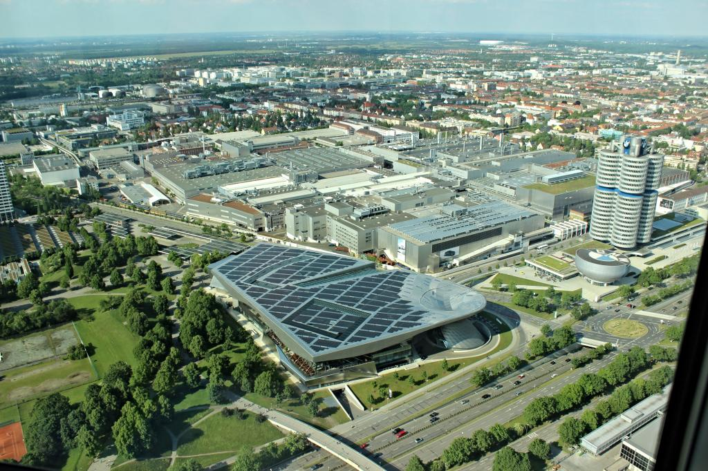 Name:  BMW Welt and Museum and WERK  IMG_8928.jpg Views: 2793 Size:  179.6 KB