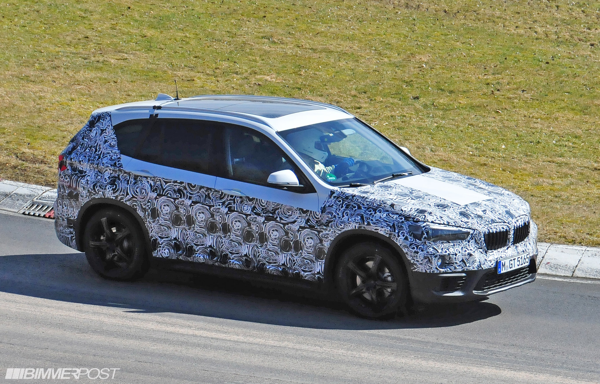 bmw x1 f48 drop heavy camouflage on nurburgring updated. Black Bedroom Furniture Sets. Home Design Ideas